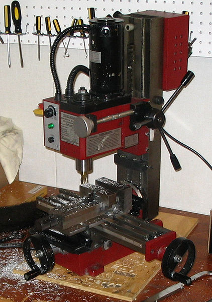 422px-Miniature_milling_machine